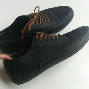 Aldo Men's Low Top Black Lace up Shoes